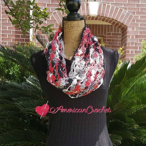Rose Trellis Cowl free crochet pattern